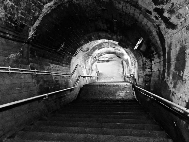 ホームへの階段