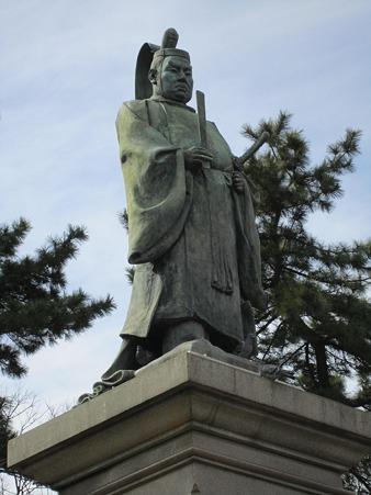 掃部山公園の銅像