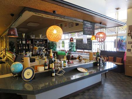Cafe and Bar Chaya  店内の様子