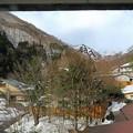 窓から望む谷川岳