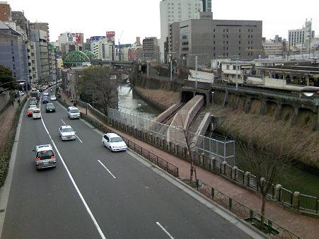 JR御茶ノ水駅と地下鉄丸ノ内線