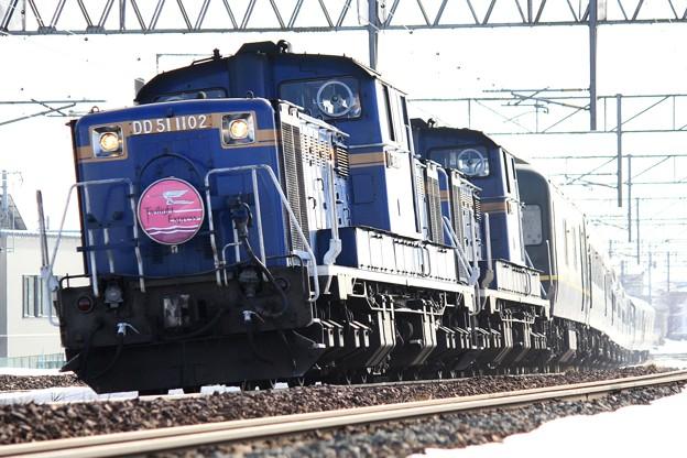 Photos: DD51 1102&DD51 1095「トワイライトエクスプレス」