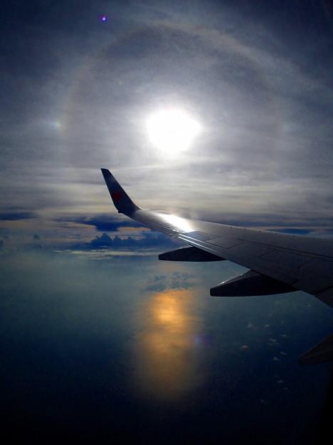 22°ハロ(日暈)と光条のハーモニーなのです^^