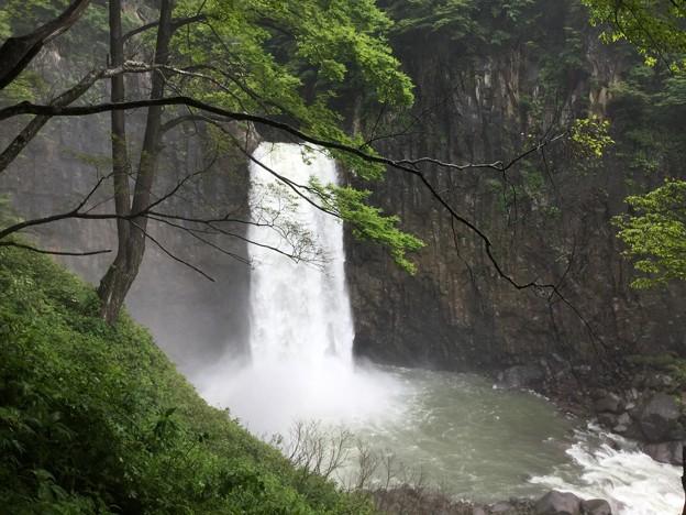 1702-苗名滝1