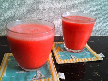 スイカトマトジュース