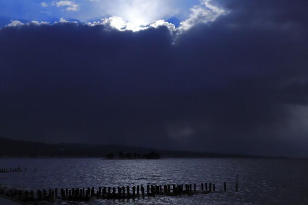 Photos: 雪雲を超えて