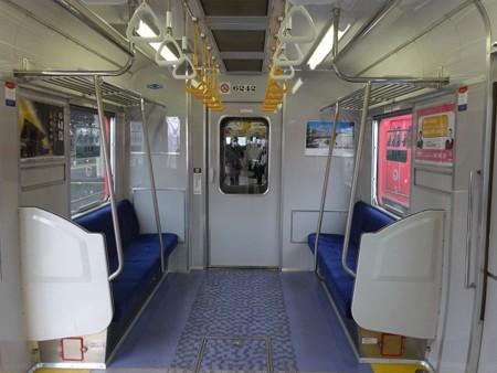 60N-車端部