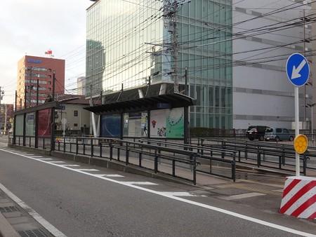 TLR_sta-インテック本社前