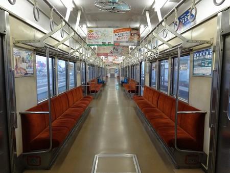 TR1800-車内全景