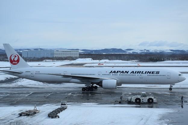 写真: Boeing 777-200 日本航空 JA8985
