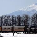 冬の津軽鉄道ストーブ列車と津軽富士