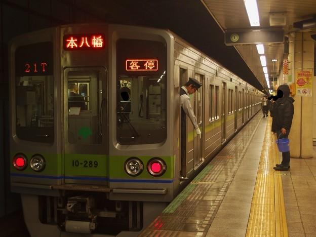 都営新宿線菊川駅2番線 都営10-280F各停本八幡行き停止位置よし