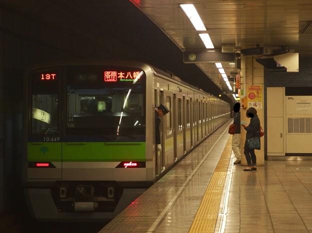都営新宿線菊川駅2番線 都営10-440F各停本八幡行き停止位置よし