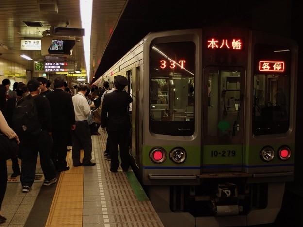 都営新宿線馬喰横山駅2番線 都営10-270F各停本八幡行き