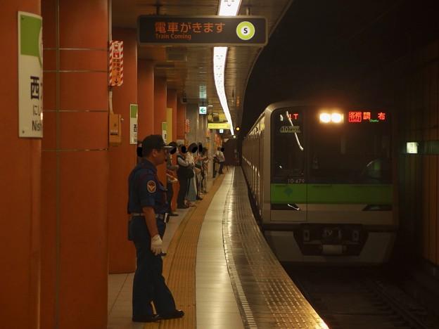 都営新宿線西大島駅1番線 都営10-470F各停調布行き進入