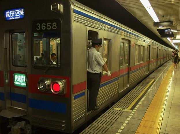 都営浅草線戸越駅2番線 京成3658F快速特急成田空港行き停止位置よし