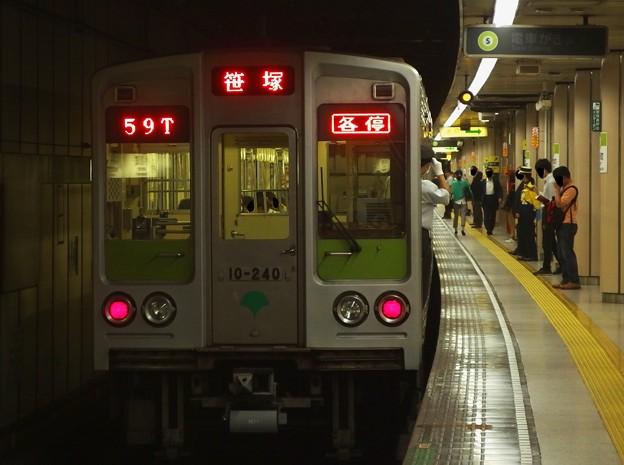 都営新宿線小川町駅3番線 都営10-240F各停笹塚行き前方確認