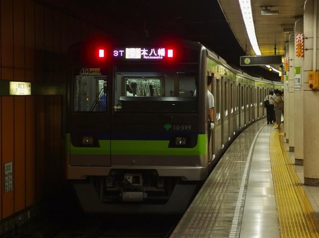 都営新宿線新宿三丁目駅2番線 都営10-590F各停本八幡行き前方確認