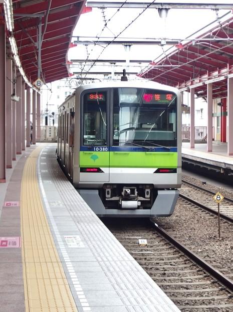都営新宿線船堀駅1番線 都営10-380F急行笹塚行き前方確認