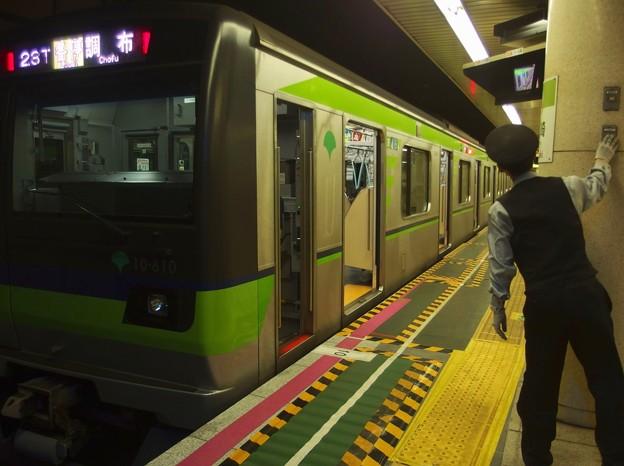 都営新宿線篠崎駅1番線 都営10-610F各停調布行きベル扱い