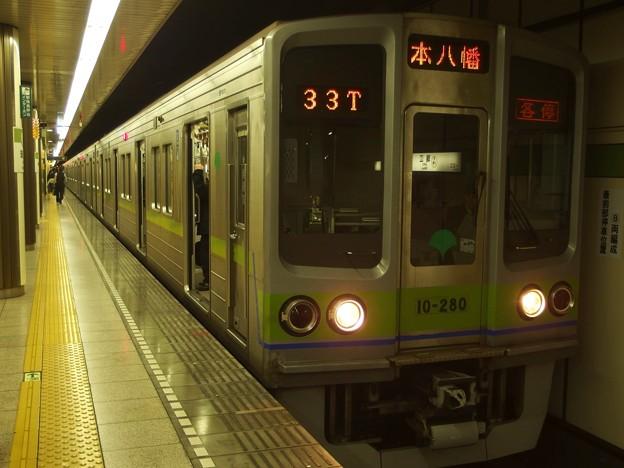 都営新宿線瑞江駅2番線 都営10-280F各停本八幡行き