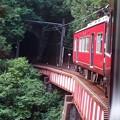鉄橋を渡り