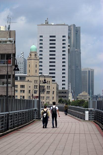 横浜税関と神奈川県警本部