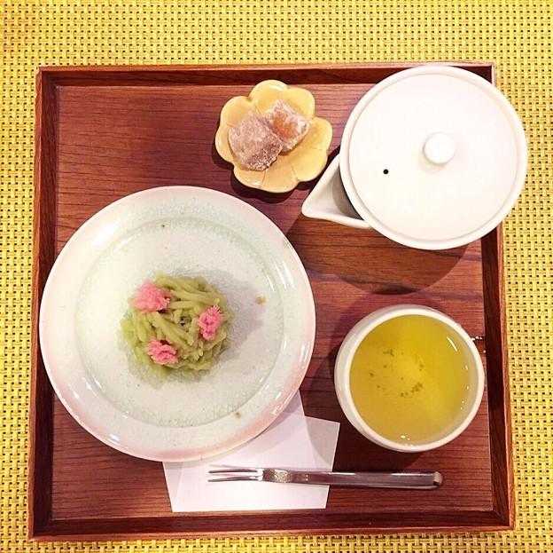 和菓子と茎茶セット