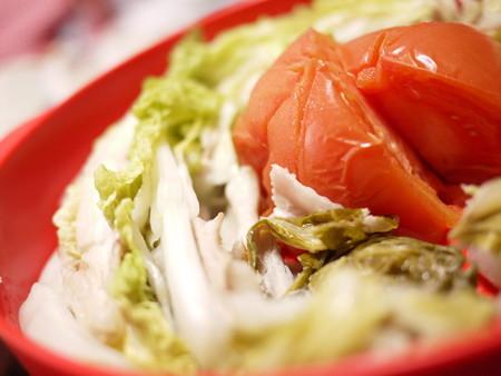 豚バラ肉を白菜とトマトのスチーム!