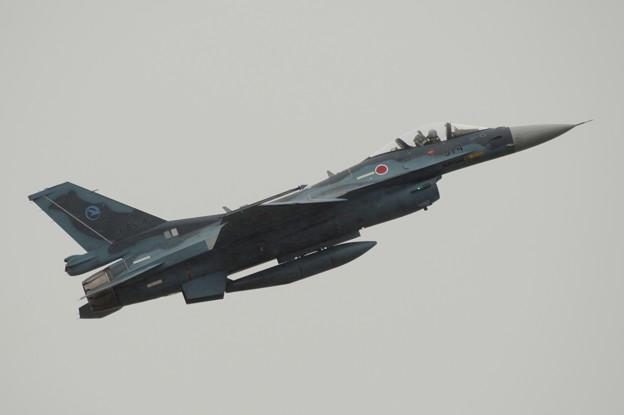F-2、横から