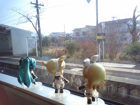 土々呂駅に停車。 リン:「日本全国のトトロのふるさとー♪♪」 レン...