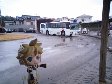 では、鹿児島交通線上りのバス旅、続行です。 ■加世田 11:11 → 伊集院...