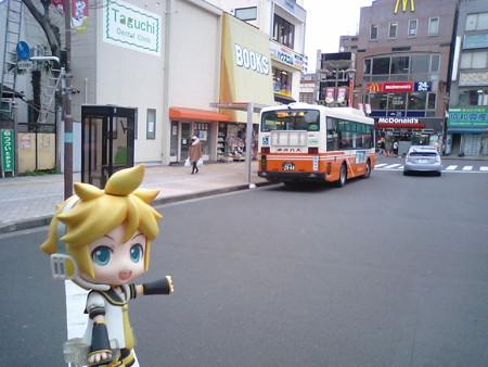 ■亀有駅北口(3) 10:38 → 北区神谷町 11:16 バス (東武バスセントラル...