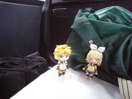 やっぱりタクシー乗った(*´Д`)=з リン:「よかったぁー♪ 楽々移動...