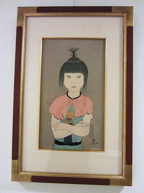 402:藤田嗣治(人形を抱く少女)