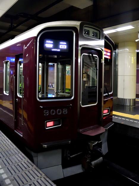 2017_0506_114554 神戸高速鉄道に乗り入れる阪急電車