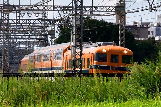 Photos: 2017_0903_140214 平城宮跡を走り抜ける近鉄電車