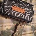 キーケースも兼ねた折財布
