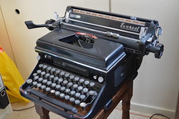 type writer -1