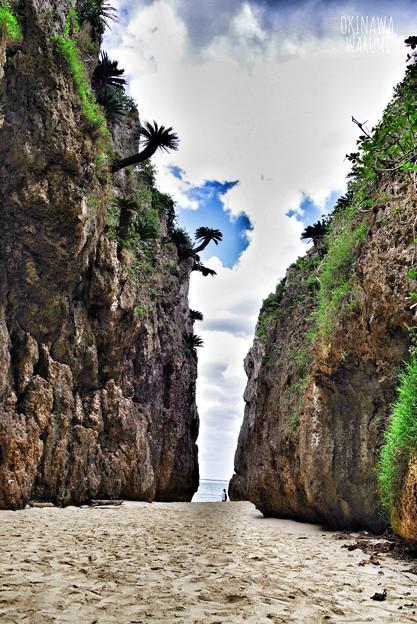 備瀬一線天 in Okinawa