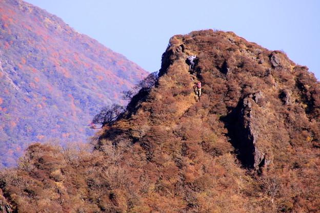 写真: ☆登る人