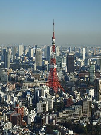 東京タワーの朱が映える
