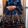 Photos: 今日のお出かけで着た服。メタモの主の書斎コーデ。光量が足りなくて足元が暗いね(´・ω・`) 主の書斎のワンピやっと着れて満足(*´∀`)
