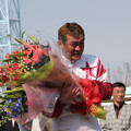写真: 山本 正彦 騎手1500勝達成セレモニー_3(06/05/03・旭川競馬場)