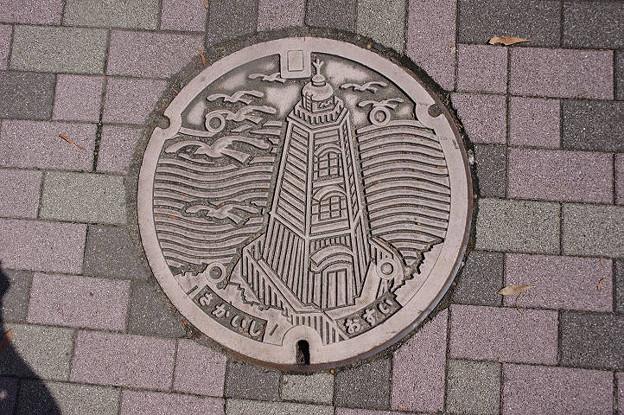 s5855_堺市マンホール_さかいし_おすい_ピンク系単色_旧堺灯台柄