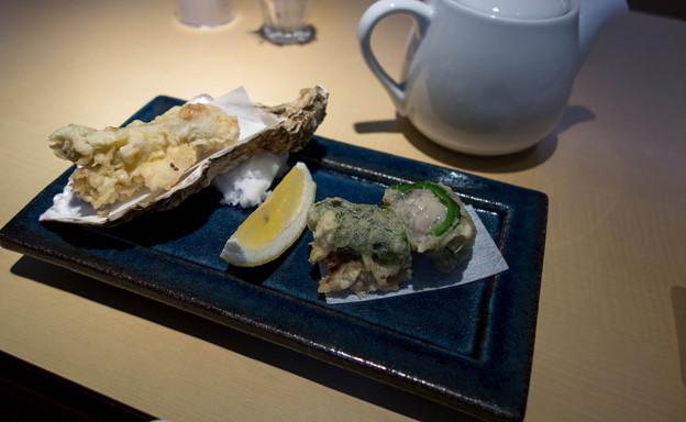 牡蠣の天ぷらというものを初めて食べてきた。