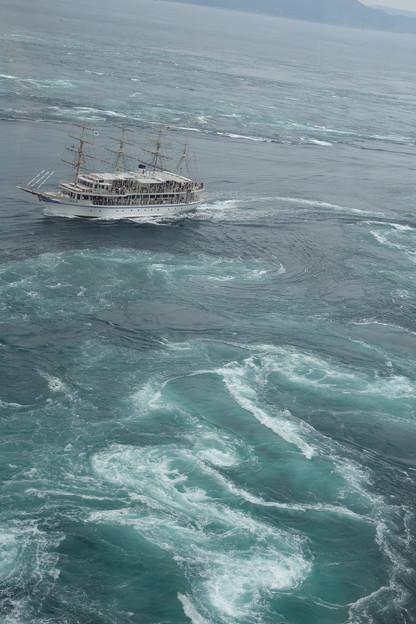 帆船渦潮観光
