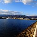 写真: 芦屋川から六甲山