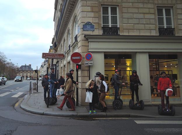 パリの街角で