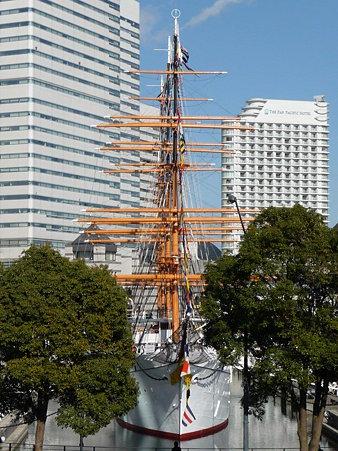 100127-桜木町から日本丸 (3)